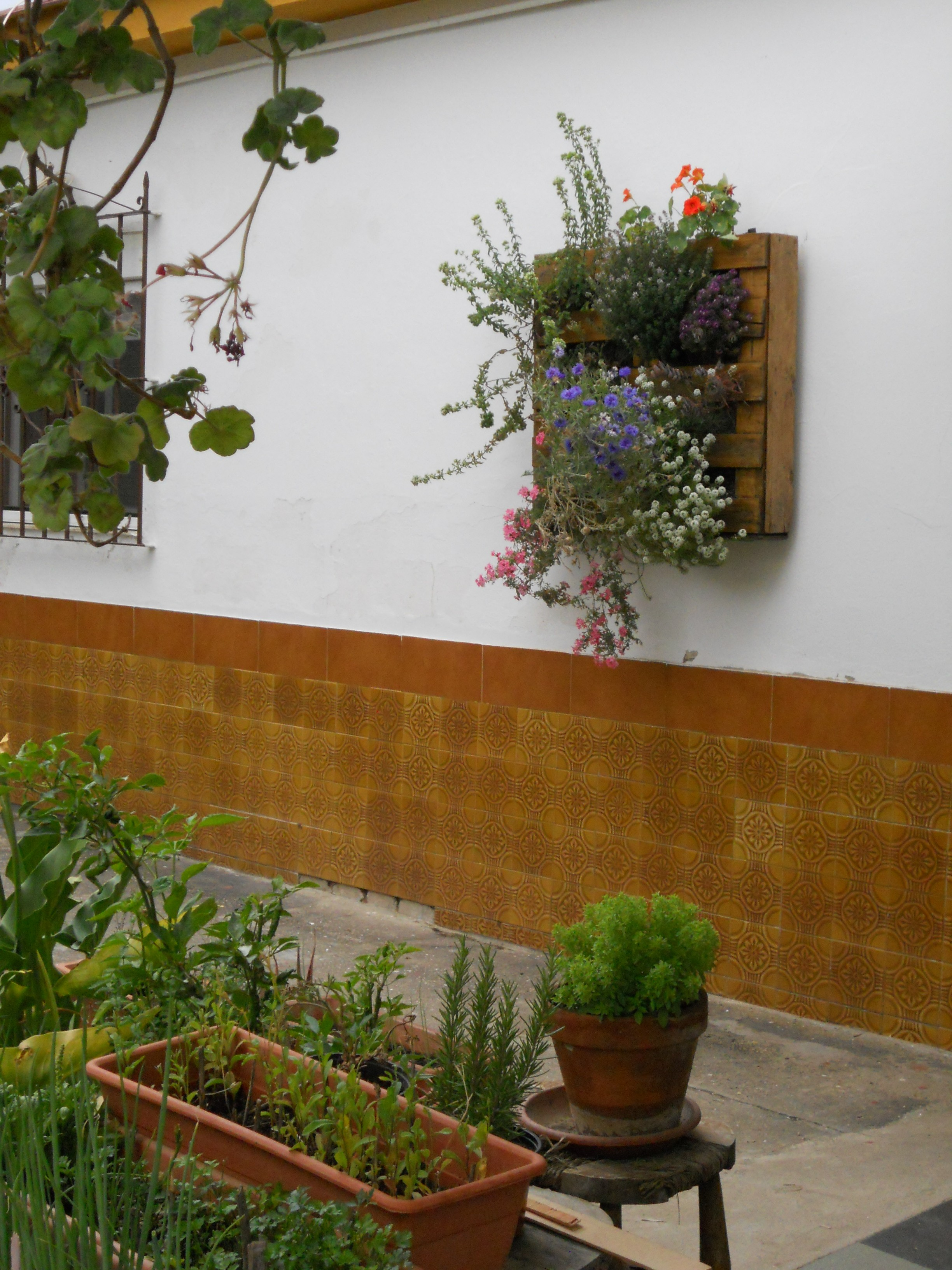 Junio 2013 espacio de cultivo urbano piperrak p gina 2 for Manta para jardin vertical